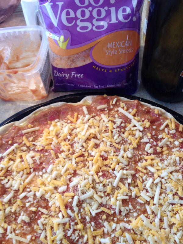 2015-2-22 Vegan Chili Cheese Pizza2