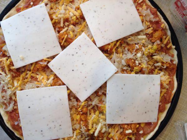 2015-2-22 Vegan Chili Cheese Pizza5