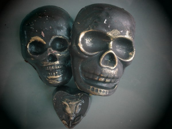 Fatally Yours Chocolate Skulls by Vegan Treats