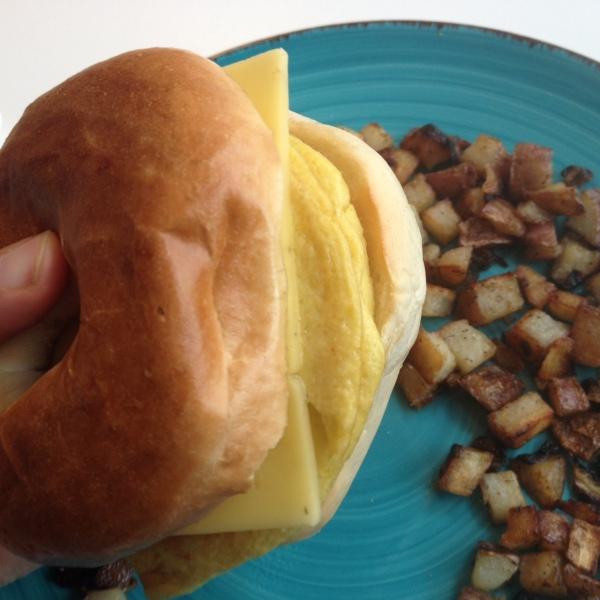 VeganEgg Breakfast Sandwich with VioLife